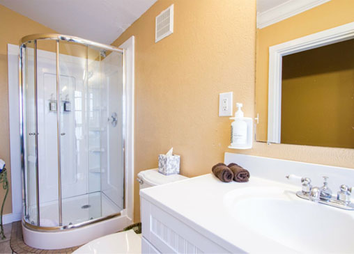 Key West Cottage Rentals - Bathroom
