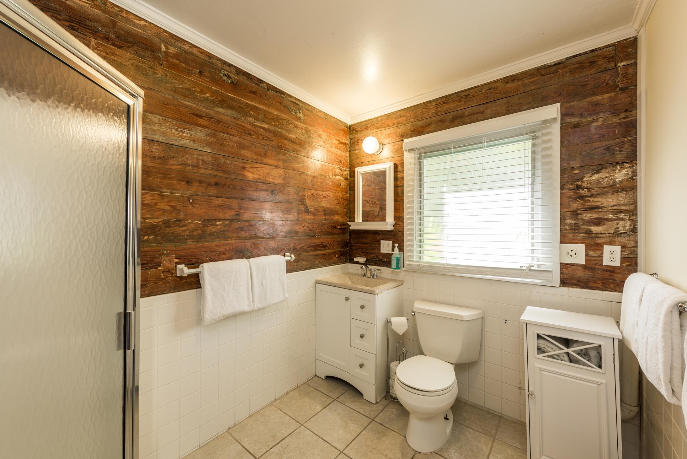 Key West Vacation Home - William Skelton House - Cottage Bathroom