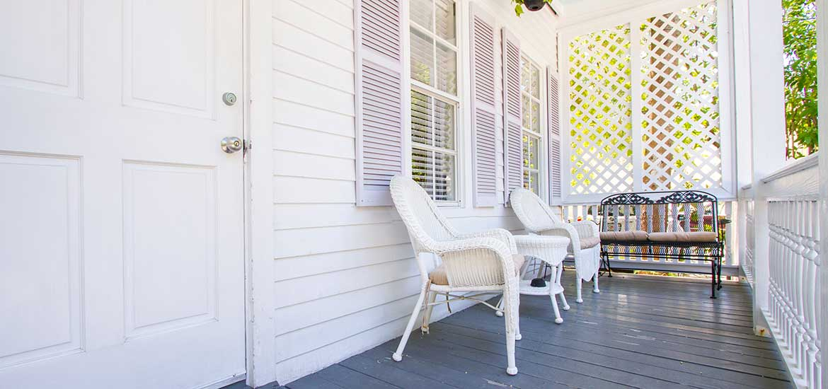 Rosa Vacation Rental -porch